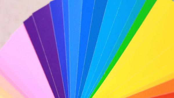人の印象は「色と色調」によっても変わる?代表的な色の象徴とイメージを紹介