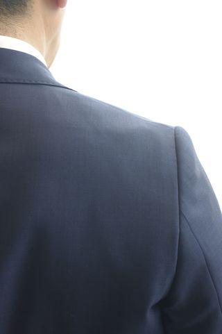 覚えておきましょう「スーツの基本ルール7」-肩