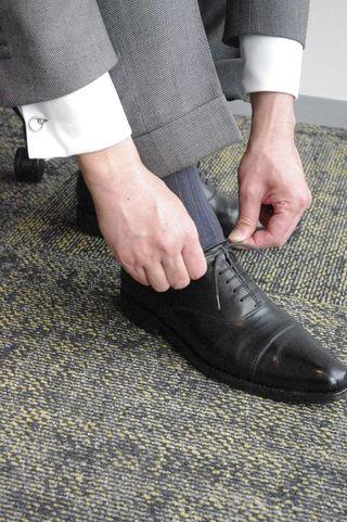 覚えておきましょう「スーツの基本ルール7」-靴と靴下